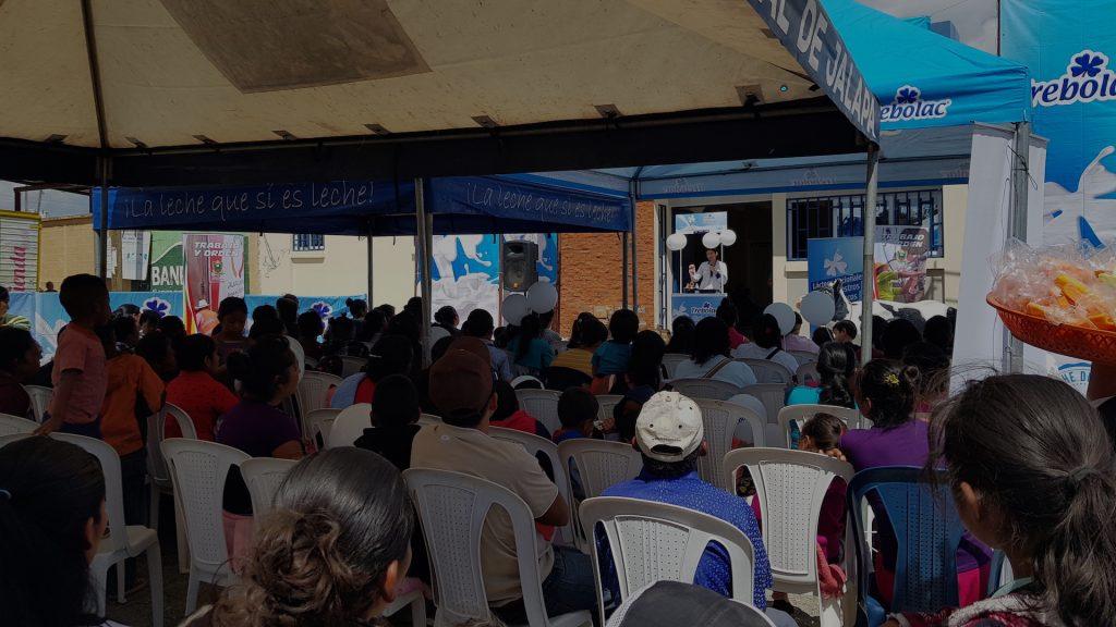 Donación Leche Trebolac Jalapa Guatemala