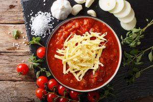 Salsa roja con Queso Mozzarella Trebolac