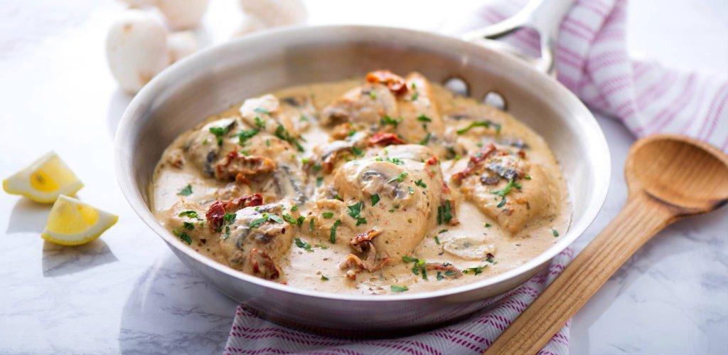 Pollo en Crema Trebolac y champiñones