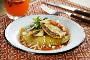 Chilaquilas Rellenas con Queso Fresco Trebolac