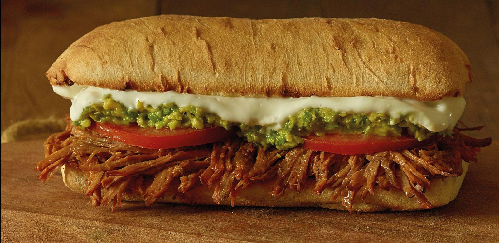 Sandwich de Hilachas y queso mozzarella