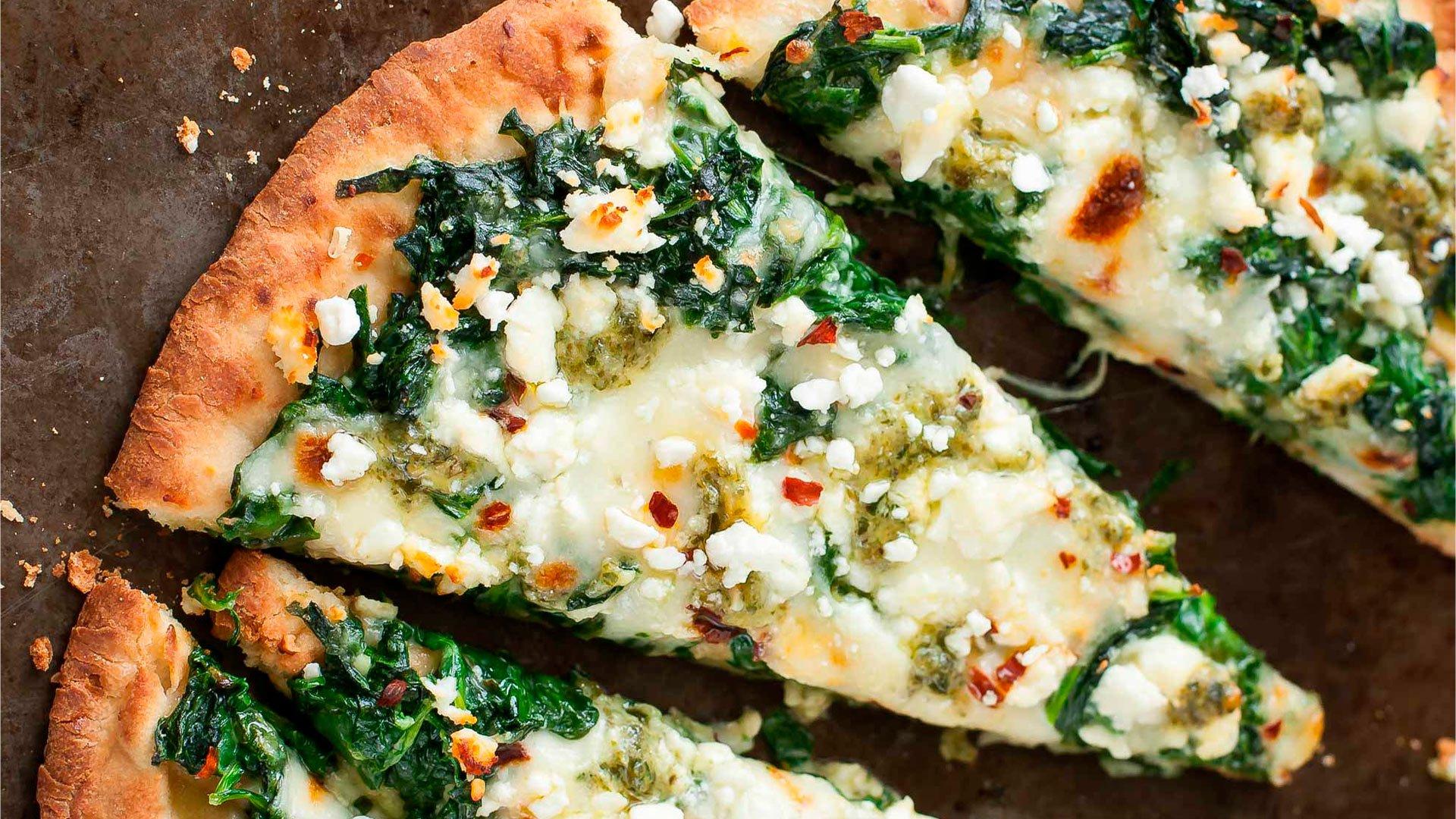 Pizza de Espinaca, Queso Fresco Trebolac y Pesto